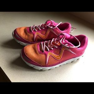 Shoes - MBT SPEED 16 SiZE 8 Running Shoes